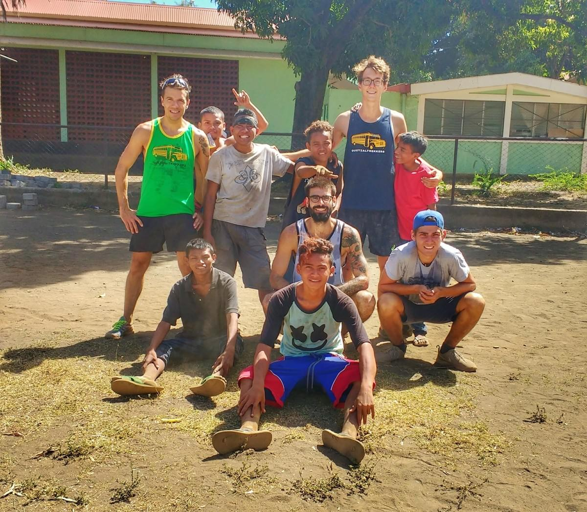 Group photo at a Quetzaltrekkers sports session in León, Nicaragua