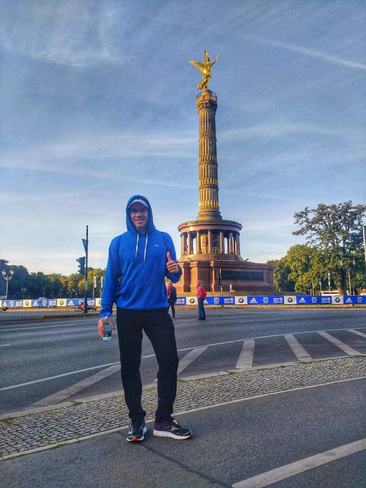Standing in front of Siegessäule prior to Berlin Marathon 2018