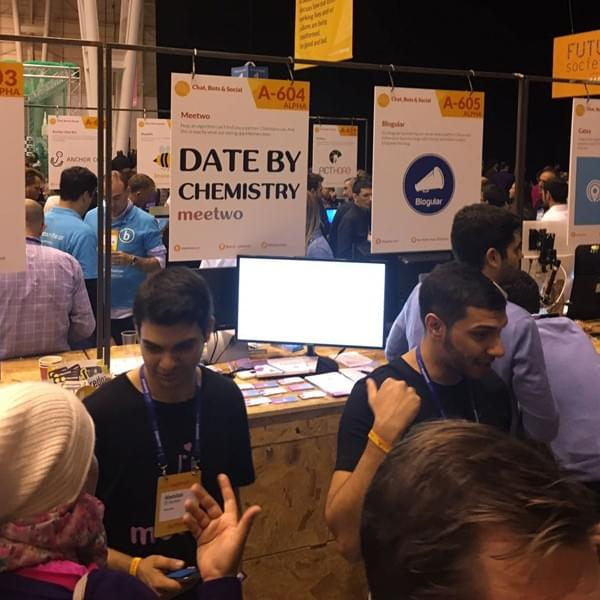Sebastien and Abdallah at Meetwo's stand presenting the idea to visitors at the Web Summit 2016