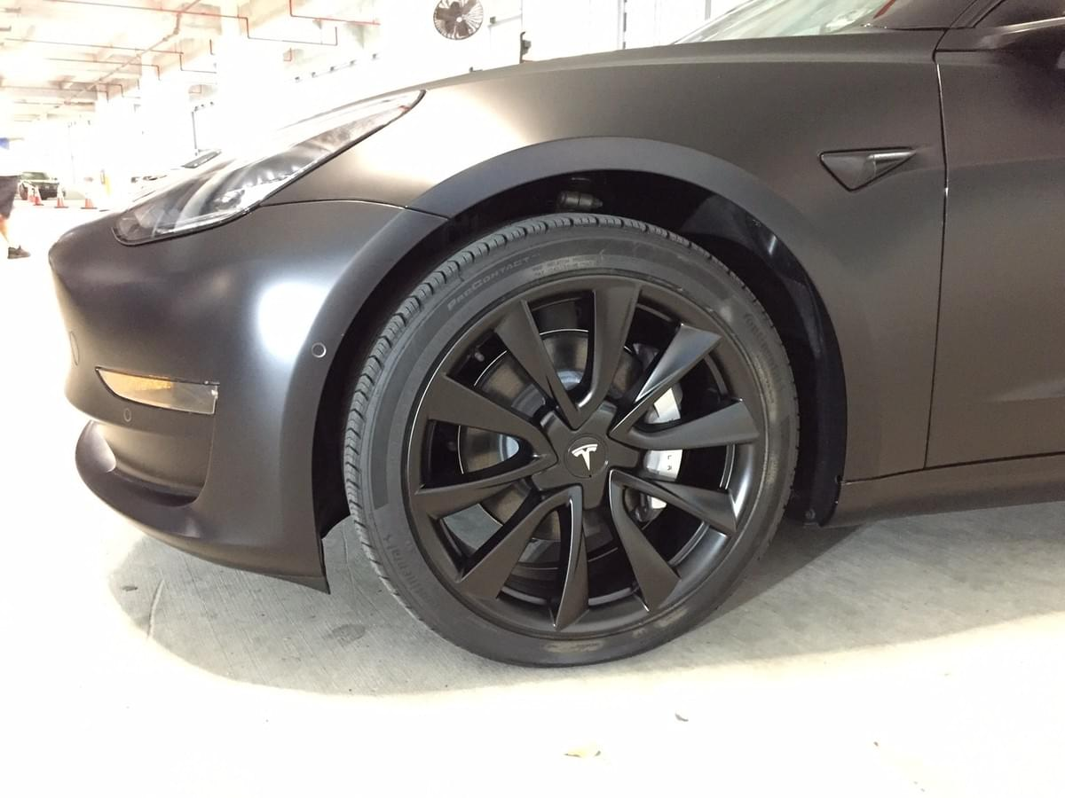Tesla Rim Painting in Miami, Tesla Wheel Painting in Miami, Tesla Caliper Painting in Miami , Miami Beach, South Beach, Coral Gables, North Miami, Aventura