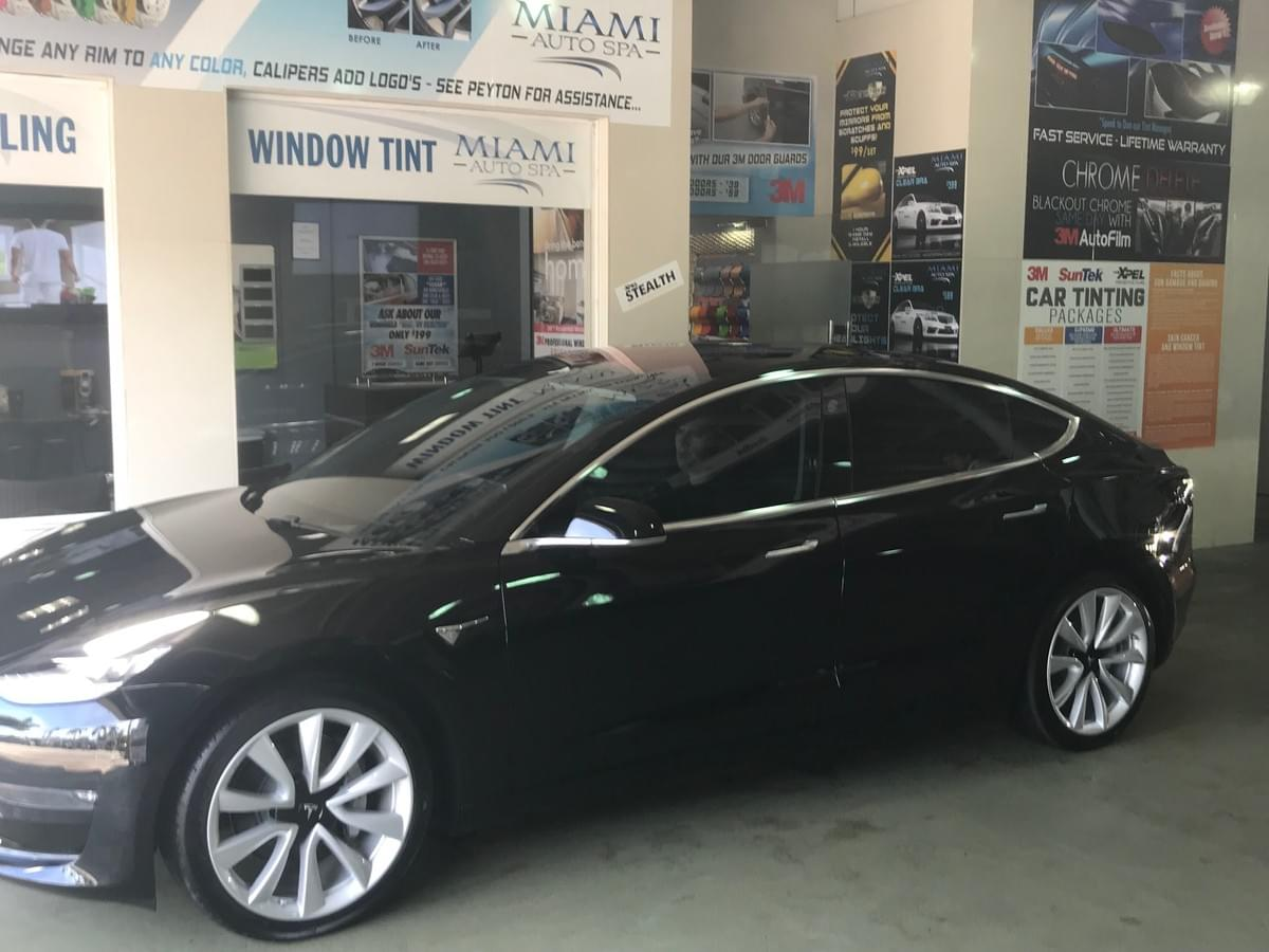 Tesla Dent Removal Miami 33131, Tesla door ding removal Miami 33131, Tesla Dent repair Miami 33131, Tesla door ding repair Miami 33131