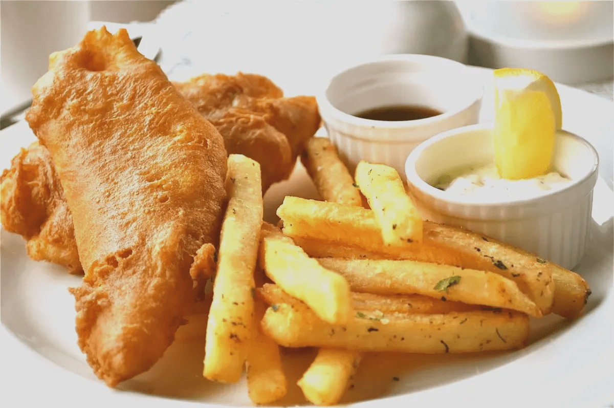 where to eat in Gibraltar like locals? Fish and Chips