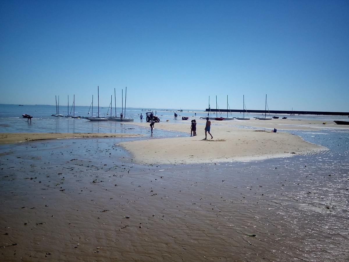 Low tide on l'Ile d'Oleron