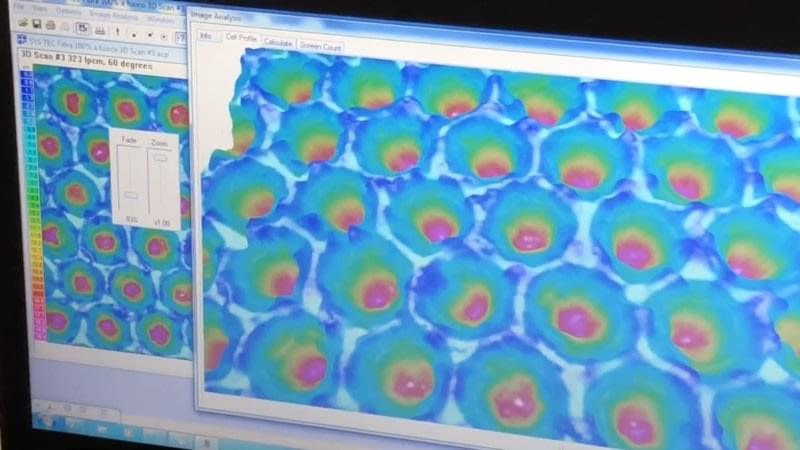 imagen 3D de las celdas del rodillo anilox limpiadas por el laser.