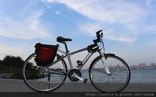 A型 GIANT ROAM2  27速 旅行车租借10天台币2500元