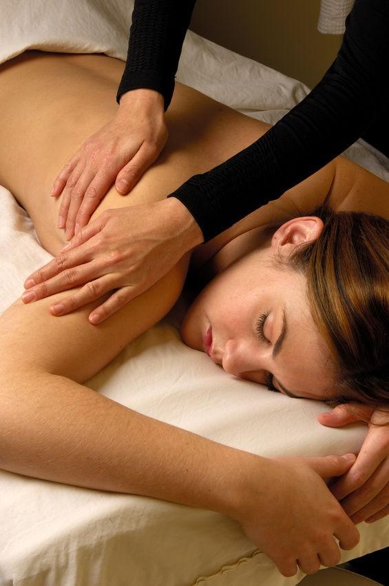 Woman-Getting-Energy-Chakra-Healing